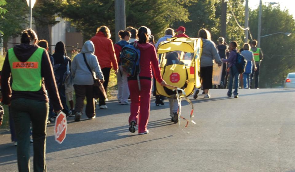 Picture of schoolchildren on road